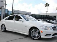 ***CARFAX CERTIFIED ONE OWNER*** MERCEDES BENZ S550***