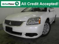 Exterior Color: white pearl, Body: Sedan, Engine: I4