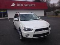 EPA 28 MPG Hwy/23 MPG City! CARFAX 1-Owner, GREAT MILES