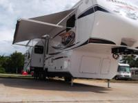 UP FOR SALE IS THIS BEAUTIFUL 2012 KEYSTONE MONTANA
