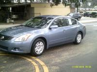 Options:  2012 Nissan Altima |Clean Local Trade