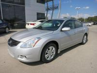 Options:  2012 Nissan Altima 2.5 S|***Highlights***