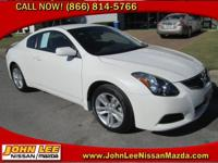 SPORTY! This 2012 Nissan Altima is nicely equipped with