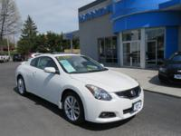 You won't find a nicer Altima anywhere, Super Clean,