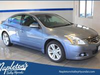 2012 Nissan Altima 3.5 SR featuring BLUETOOTH, HEATED