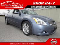 Exterior Color: navy blue metallic, Body: Sedan,