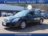 This 2012 Nissan Altima 2.5 SL comes equipped with