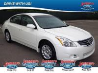 New Arrival... Gets Great Gas Mileage: 32 MPG Hwy!!!