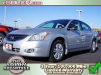 2012 Nissan Altima 4dr Car 2.5 Our Location is: Dave