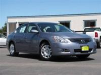 This 2012 Nissan Altima 4dr 2.5 Sedan features a 2.5L