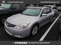 2012 Nissan Altima Sedan 4dr Sdn V6 CVT 3.5 SR Sedan