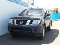Options:  2012 Nissan Pathfinder S|Luggage