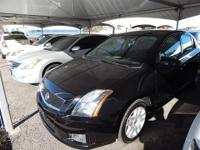 This 2012 Nissan Sentra SR offers a 2.0 liter 4