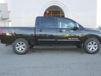 2012 Nissan Titan 4WD 4x4 1-Owner Crew Cab Alloy Wheels