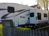 2012 31 ft. 5th wheel rv ,has one super slide pull