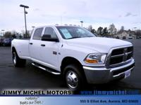 Exterior Color: white, Body: Crew Cab Pickup, Engine: