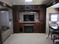 Forrest River M-8265WS Fifth Wheel excellent condition,