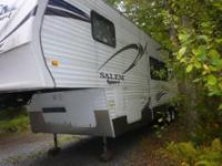 2012 Salem Sport 5th wheel toyhauler, 1 slide out,