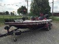 Single console boat that looks brand new. The