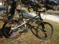 "lightweight E5 alloy (19"") frame and fork (both with"