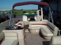 2012 Sun Tracker Party Barge 22DLX, 90hp Mercury