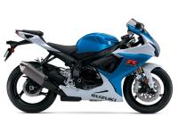 On the road or on the track the GSX-R750 delivers a