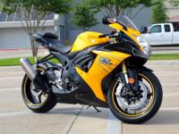 2012 SUZUKI GSXR 750YELLOW WITH CARBON ACCENTS2K