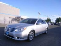 2012 Toyota Avalon 4dr Sedan Our Location is: Lithia
