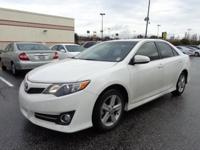 Camry SE, Toyota Certified, Black/Ash 2-Tone w/Fabric
