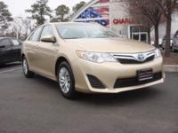 FUEL EFFICIENT 39 MPG Hwy/43 MPG City! CARFAX 1-Owner,