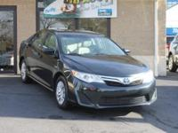 UP TO 43 MPG CITY, CLEAN CARFAX, CLEAN TRADE!! 16-inch