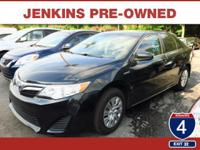 Priced below Market! Bluetooth, Auto Climate Control,
