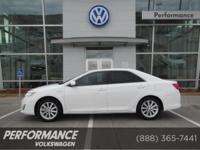 EPA 38 MPG Hwy/40 MPG City! CARFAX 1-Owner, ONLY 27,165