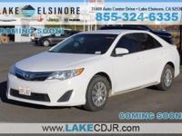 6-Speed Automatic Clean CARFAX. Super White 2012 Toyota