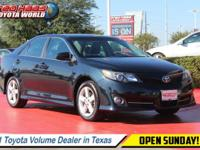 Scores 35 Highway MPG and 25 City MPG! Carfax One-Owner