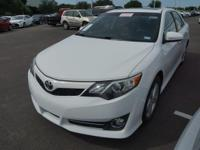 2012 Toyota Camry SE Navigation, Sunroof & Alloy