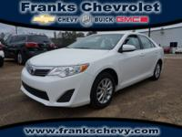 Exterior Color: white, Body: Sedan, Engine: 2.5 4 Cyl.,