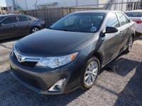 Exterior Color: magnetic gray, Body: Sedan, Engine: