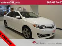 White 2012 Toyota Camry SE FWD 6-Speed Automatic 3.5L