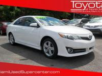 Options:  2012 Toyota Camry Se|Super White/Ivory|V4