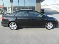 **********Moonroof,Bluetooth,AM/FM/CD,Ec