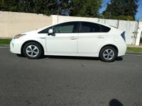2012 toyota prius hybrid clean title, one owner, no