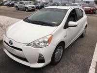 2012 Toyota Prius c, CLEAN CARFAX, ALLOY WHEELS, FOG