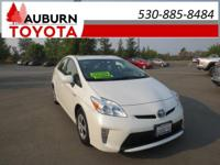 1 OWNER, LEATHER, BLUETOOTH!!  This 2012 Toyota Prius