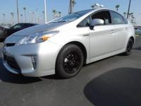 *New Arrival* *LOW MILES* This 2012 Toyota Prius One