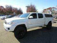 New Arrival! 4WD, CarFax One Owner! Stability Control,