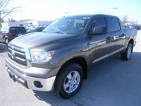 ONLY 8,000 miles!! 4x4 CREW CAB with a SUNROOF!! Call