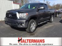 4X4! Short Bed! This sizzling 2012 Toyota Tundra is the