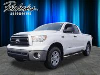 Exterior Color: white, Body: Double Cab, Engine: 5.7 8