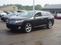 AWD, ABS brakes, Air Conditioning, Alloy wheels,